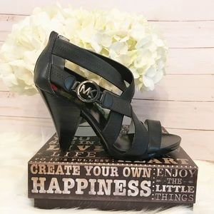 💕 Michael Kors Robertson Strappy Sandals 💕
